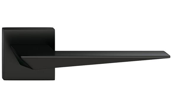 Blade - farba čierna