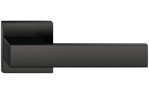 Total - farba čierna
